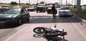REYNOSA: Salen disparados dos motociclistas en libramiento