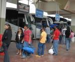 ´Usuarios pagan sin preguntar´; justifican mal servicio en autobuses