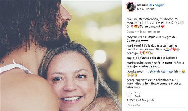 Maluma sorprende a su madre