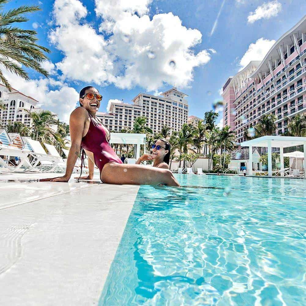DE LUJO. Ver y dejarse ver en alguna de las 11 piscinas que presume Baha Mar es tan sólo una de las tentaciones.