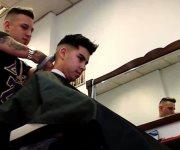 Barbero sin manos causa sensación en Argentina