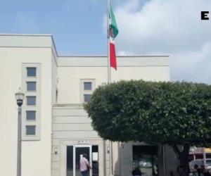 Asesora Consulado a residentes sobre cómo obtener la ciudadanía