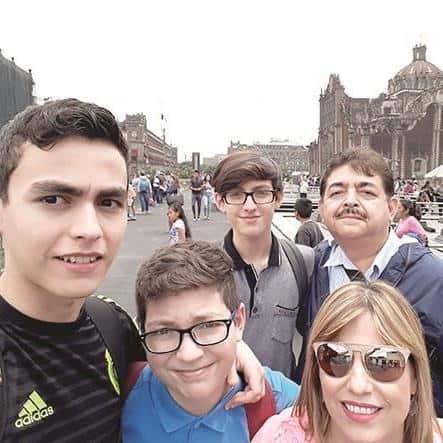 CDMX. Antonio, Braulio, Claudio, Antonio y Sonia González.