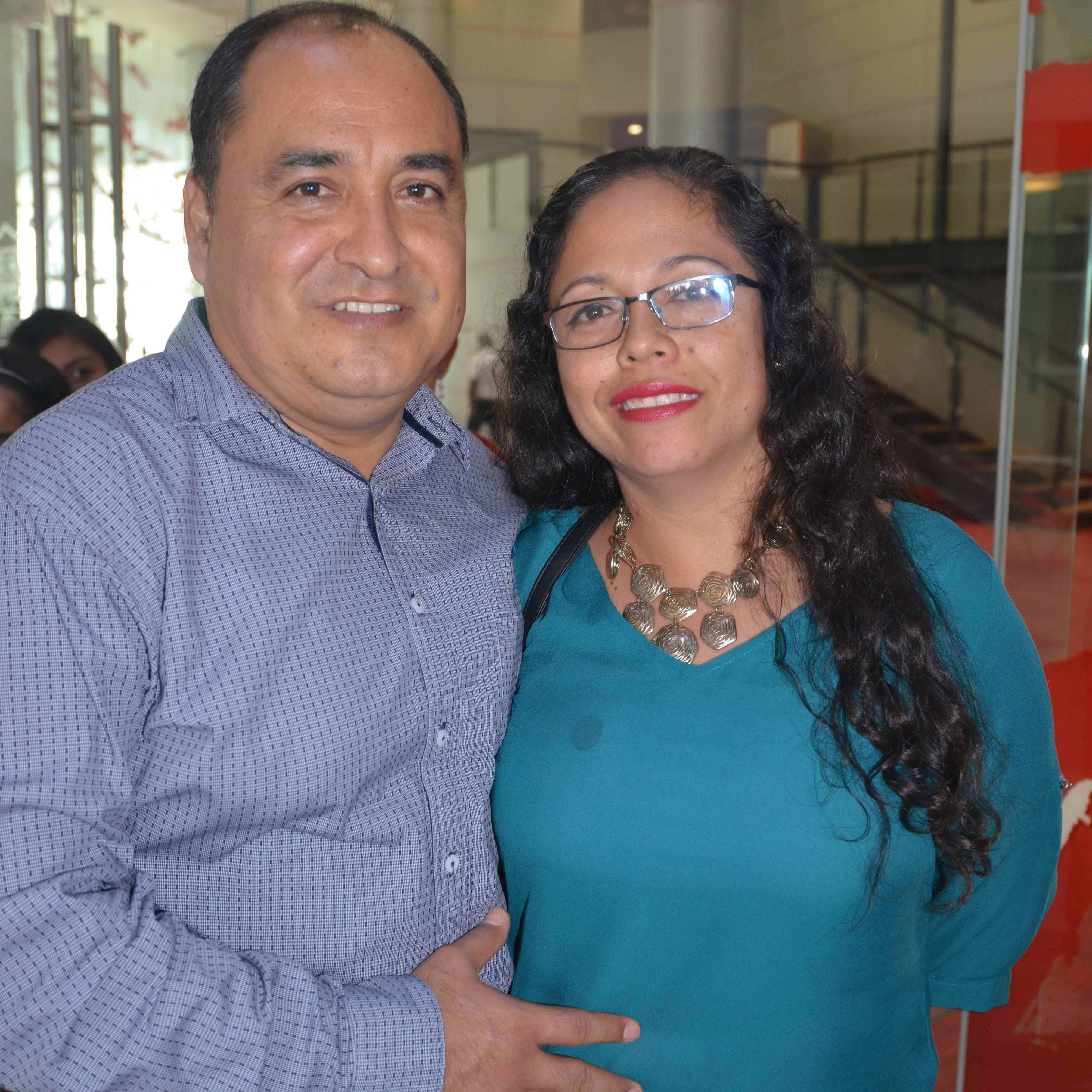 Disfrutan. Juan Almanza y Margarita Paz.