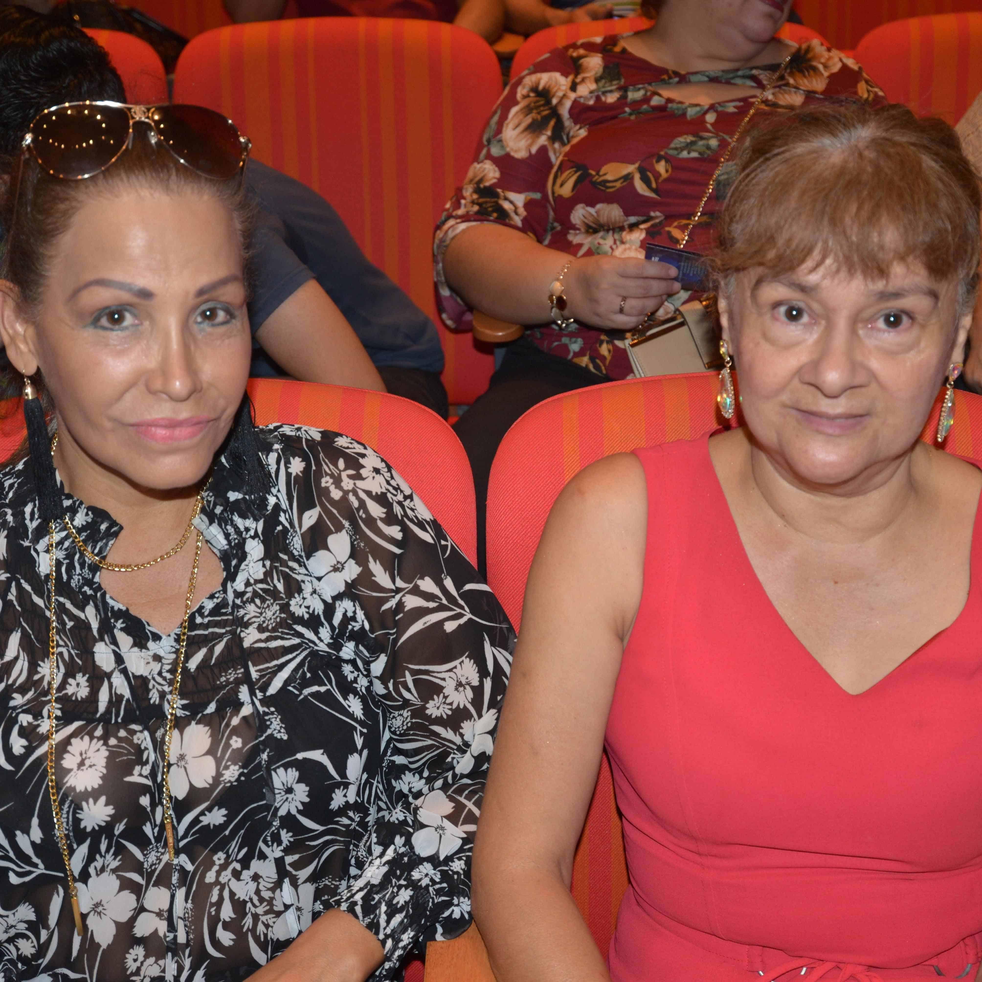 SE DELEITAN. Margarita Rodríguez y Lilia Beas.
