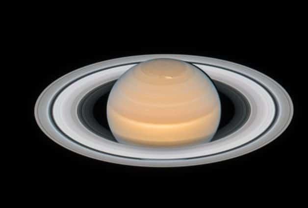 Muestran nueva fotografía de Saturno y sus anillos