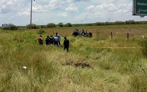 Fatal volcadura: 2 muertos, 9 heridos. Trunca trágico accidente vacaciones