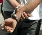 Arrestan a sujeto por violar a su madre en Edomex