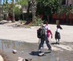Familias de la colonia Pedro J. Mendez sufren de aguas negras.
