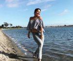 Alejandra Guzmán se luce en la playa