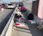 Arriban familias del sur para solicitar asilo a EU