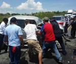 Carreterazo deja 3 heridos