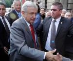 Busca Obrador eliminar escoltas y blindaje a vehículos oficiales
