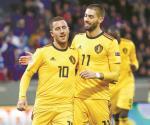 Bélgica golea 3-0 a Islandia