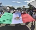 Llaman en desfile a sentirse orgullosos de ser mexicanos