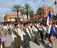 Participan miles en el desfile para celebrar Independencia