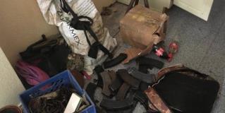 Asegura Sedena armas, cartuchos, equipo táctico y vehículos en cateo
