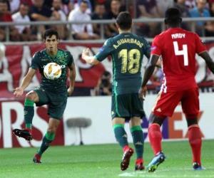 Saca Betis empate a Olympiakos