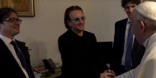 """Bono al Papa: """"Algunos piensan que la Iglesia está protegiendo más a los abusadores"""""""