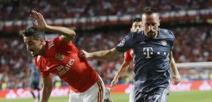Vence Bayern al Benfica
