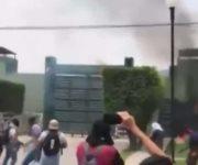 Atacan un cuartel militar mexicano durante las protestas por los 43 estudiantes desaparecidos