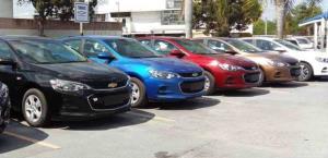 Mantiene descenso venta de vehículos