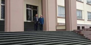 Arribo de Andrés Manuel López Obrador y Francisco Javier García Cabeza de Vaca a rueda de prensa en Victoria