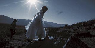 Miles a la espera de eclipse solar en Chile