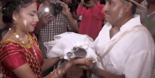 Alcalde oaxaqueño se casa con cocodrilo hembra