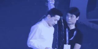 Empapan con agua al fundador del Google chino