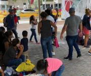 Retiran a los migrantes del Puente Nuevo en Matamoros
