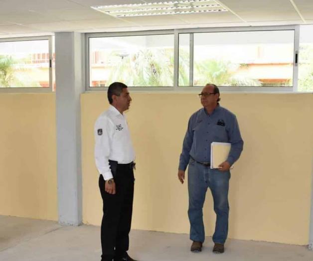 Entregan 2 nuevas aulas a la UAMVH