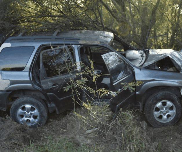 Sufren 'amanecidos' aparatoso accidente
