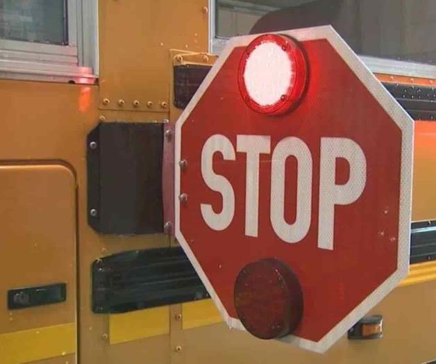 Apagón interrumpe transporte escolar