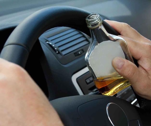 No mezclar alcohol con el volante en las festividades
