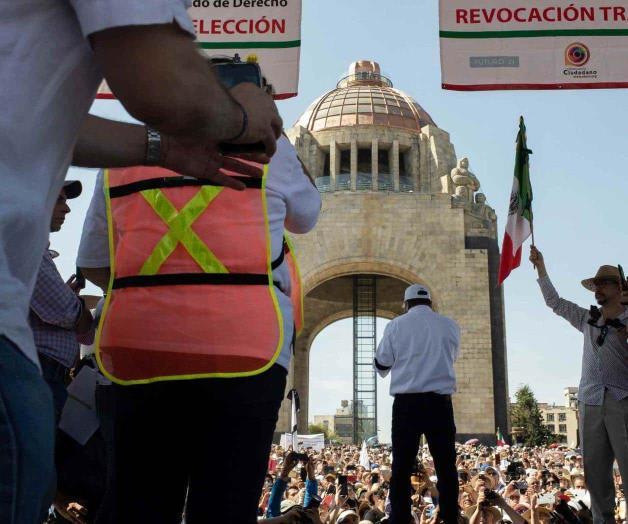 Marcharon conservadores disfrazados de ciudadanos: dice AMLO en la mañanera