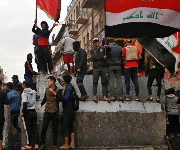 Manifestantes queman consulado iraní en Irak por 3ra vez