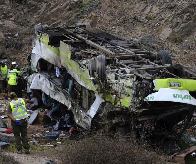 20 muertos al desbarrancar un autobús