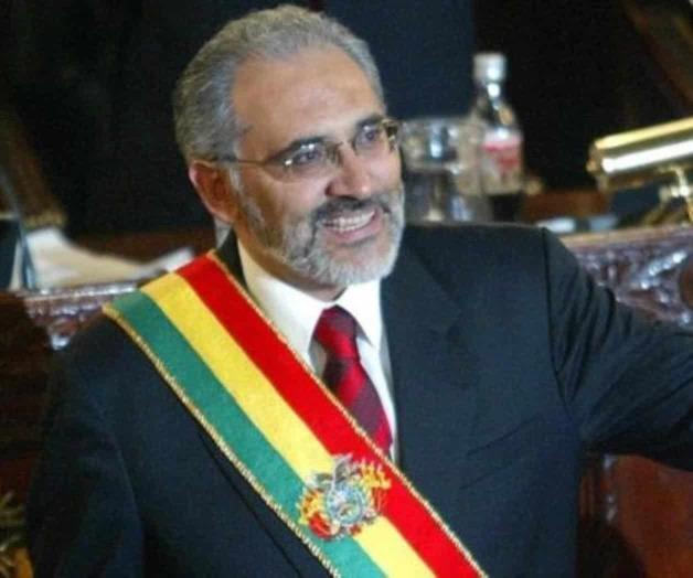 Opositor Carlos Mesa anuncia postulación en elecciones en Bolivia