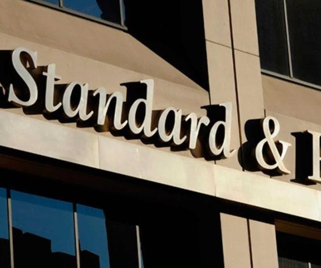 Estancamiento de la economía ya afectó la demanda de crédito bancario: Standard & Poor's
