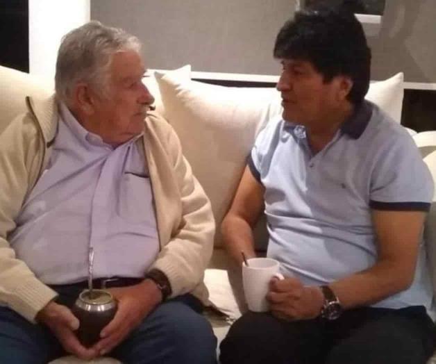 Se reúnen Mujica y Morales en México
