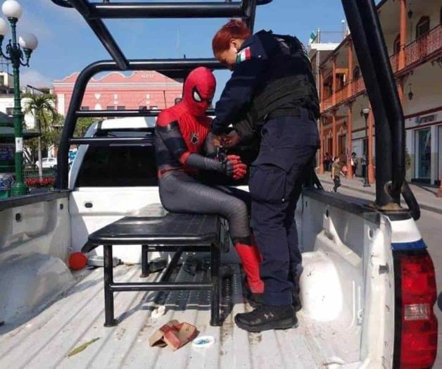 Detienen al 'Hombre Araña' en el centro de Tampico