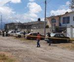Localizan 3 cadáveres dentro de un tinaco relleno con cemento en Toluca