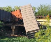 Falla mecánica provoca descarrilamiento de tren con 14 vagones