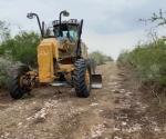 Continúan trabajos de reparación de caminos