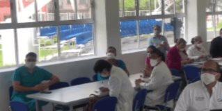 Autoridades de salud revisan funcionamiento de las medidas en torno al Covid-19.