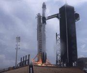 El cohete SpaceX despega con 2 estadounidenses