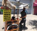 De payaso a vendedor de aguas, pan y antojitos para poder subsistir