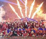 Alza Liverpool el trofeo de Premier