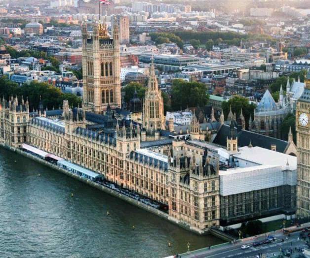 Legislador británico acusado de violación